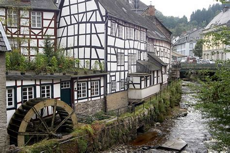 The Monschau city photos and hotels - Kudoybook