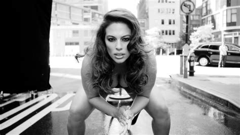 Love Advent 2017 – Day 2: Ashley Graham   #TheFappening
