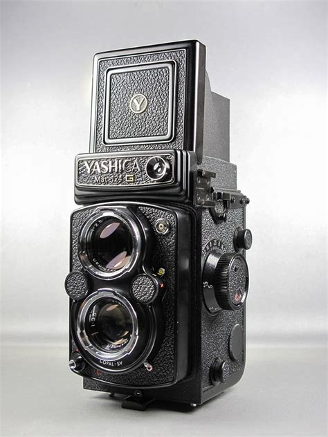 Used Yashica Mat-124 G SOLD at CameraTechs - CameraTechs Inc