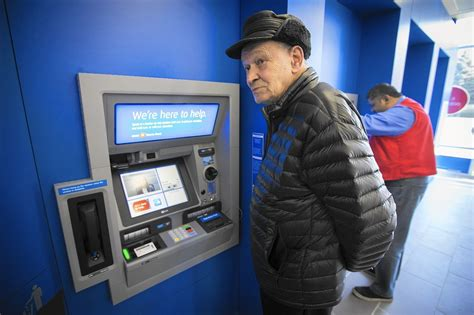 """BMO Harris Bank debuts """"smart branch"""" in Chicago - Chicago"""