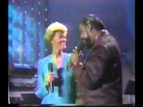 Dionne Warwick - Never Gonna Give You Up Duet with Barry