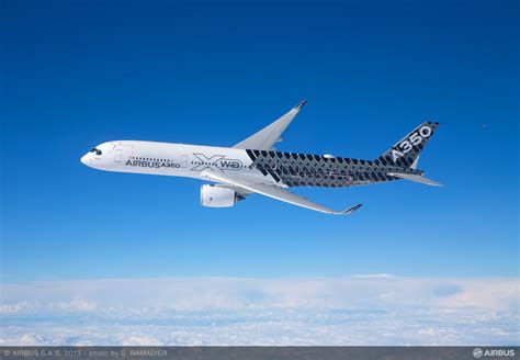 Airbus A350 XWB starts its China tour with debut at Zhuhai