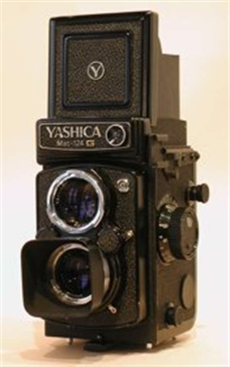 Yashica Mat 124 G - Lights in the Box